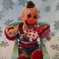 Vintage yo yo clown, yo yo, vintage clown, fabric clown, Circus clown, Clown doll, yo yo doll, vintage cloth doll, quilt clown doll, clown by Vintagepetalpushers on Etsy