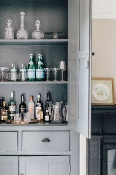 Alcove Cupboard Bar Painted In Farrow And Ball - Light Dining Room In A Period Property With Vintage Furniture