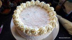 Tort cu mascarpone, lapte condensat și fructe: căpșuni, zmeură, afine - fără coacere   Savori Urbane Vanilla Cake, Tiramisu, Cheesecake, Desserts, Food, Mascarpone, Pie, Tailgate Desserts, Deserts