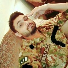 Pak Army Soldiers, Pakistan Armed Forces, Pakistan Army, From Where I Stand, Pakistan Fashion, Hero, My Love, Pakistani, Arabic Calligraphy