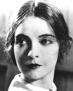 Cinema classics on DVD: Lillian Gish - The First Lady of the Silent Film Hollywood Glamour, Hollywood Star Walk, Golden Age Of Hollywood, Vintage Hollywood, Hollywood Actresses, Classic Hollywood, Dorothy Gish, Lillian Gish, Silent Film Stars