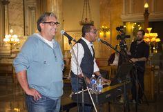 Grégory Charles et Marc Hervieux ont déjà entrepris les répétitions avec 1300 chanteurs et ils acceptent encore les groupes. Groupes, Acceptance, Singers, Black N White