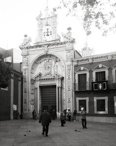 Y Sevilla por tener tiene la gloria en sus manos a Jesús del Gran Poder  que también es sevillano Sevilla tiene una cosa - Manuel Pareja Obregón  #igerssevilla #granpoder #sanlorenzo #igersspain #igersandalucia #instagramers #igers #somosinstagramers #hallazgosemanal #primerolacomunidad