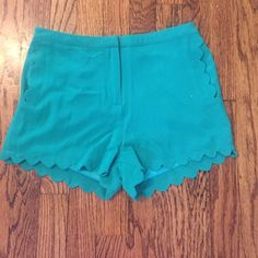 Adorable pair of scalloped shorts! NWT! Super cute kelly green scalloped shorts by lush. Last picture is closest to actual color. New with tags. Size small. Lush Shorts
