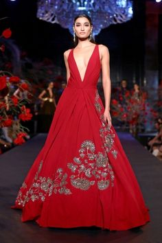 AICW2015 Grand Finale - 'The Empress Story' By @ManishMalhotra ❤