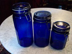 Cobalt blue mason jars. Delight!