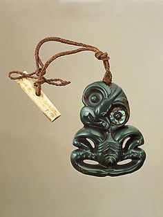 Hei Tiki (pendant) Nephrite (pounamu) H: cm New Zealand: Maori Shell Jewelry, Tribal Jewelry, Jewelry Art, Bone Jewelry, Polynesian Art, Nz Art, Maori Art, Kiwiana, Paua Shell