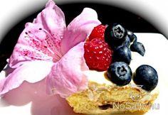 Ötperces túrókrémes-gyümölcsös szelet