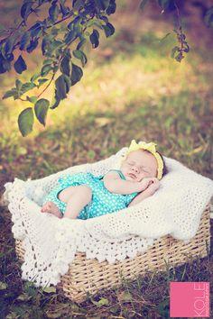 Neugeborene Fotografie KOLE Fotografie - KOLE Photography - My Personal Work - Kinder Newborn Bebe, Foto Newborn, Newborn Baby Photos, Baby Girl Photos, Baby Poses, Newborn Shoot, Newborn Pictures, Sibling Poses, Outdoor Newborn Photography