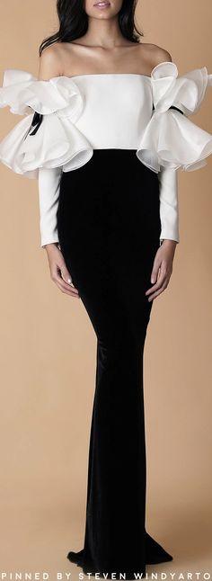 Arianna Gown by Mark Bumgarner Vestidos Fashion, Fashion Dresses, Couture Fashion, Fashion Show, Fashion Details, Fashion Design, Mode Inspiration, African Dress, White Fashion