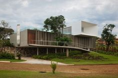"""Piracicaba House"" in Piracicaba, Brazil by Isay Weinfeld"