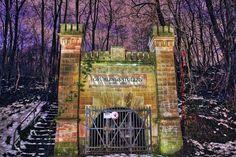 #old #lost #lostplaces #lost_place #urbex #urbanexploration #urbxtreme #abandoned #abandoned_World #picoftheday #pictureoftheday #copyrightbyme #deutschland #saarland #wald #stollen #bergbau #bergwerk #zeche