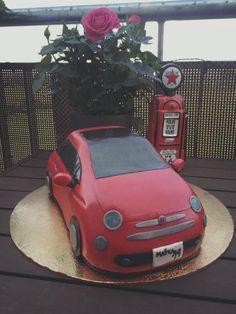 Fiat 500 torta:) Autíčko pre fanúšika motorizmu | Autorka: Abika Točalka | Tortyodmamy.sk Fiat 500 Pop, Decorated Cakes, Birthday Cakes, Sims 4, Cake Decorating, Pastel, Car, Ideas, Autos