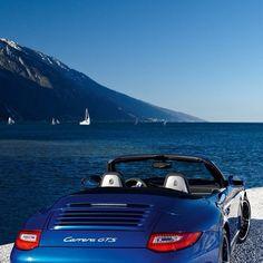 Fine Sea blue Porsche Carrera GTS