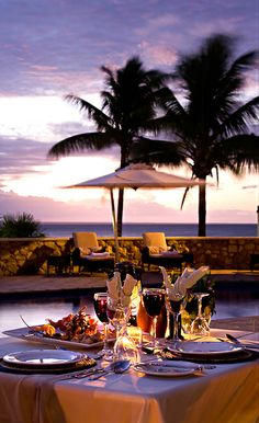 Romantic seaside dinner  #travelwithRochesTravel