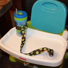 suction cup sippy holder.