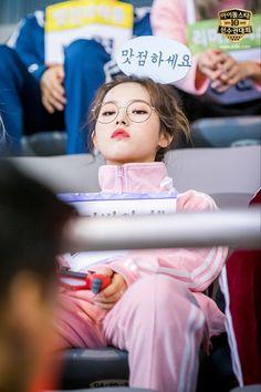 Kpop Girl Groups, Korean Girl Groups, Kpop Girls, Sooyoung, Fandom, Your Girl, My Girl, Loona Kim Lip, Kpop Memes
