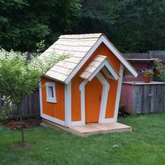 Kid Crooked Houses :) WANT for kids!