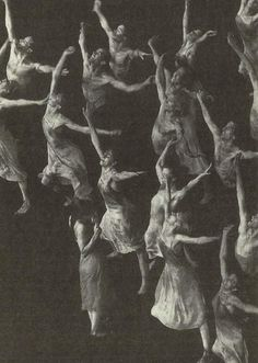 Le Sacre du Printemps (The Rite of Spring) Pina Bausch, 1975 Pina Bausch, Contemporary Dance, Modern Dance, The Rite Of Spring, Dance Movement, Lets Dance, Dance Photography, Graphic, Dark Art