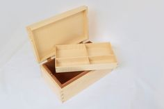 Jewellery box made with English pear wood and ripple sycamore. By Paul Chilton / CHILTON Design #finefurniture #woodworking #cabinetry