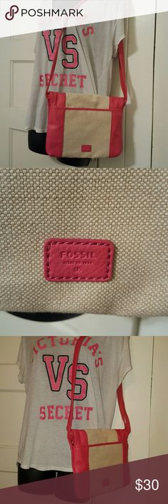 NEW FOSSIL crossbody flap purse I never used the purse, perfect condition  Pink and Canvas 100% leather  It has a small mark as shown in last picture Fossil Bags