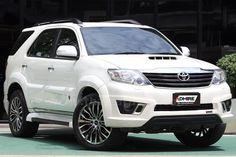 ขายรถอเนกประสงค์ TOYOTA FORTUNER โตโยต้า ฟอร์จูนเนอร์ รถปี2012 สีขาว