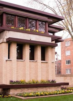 Inside Frank Lloyd Wright's Fully Restored Emil Bach House - Curbed Chicago