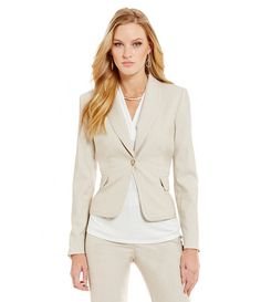 Khaki blazer / office chic/ business fashion / work wear style