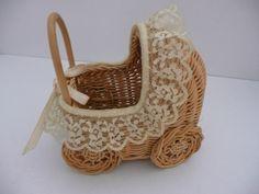 Juguetes de siempre Dolls Prams, Wicker Furniture, Nursery Room, Handicraft, Rattan, Kids Room, Basket, Newspaper, Home Decor