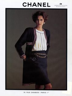 Chanel 1986 Inès of the Fressange Chanel Outfit, Chanel Jacket, Chanel Fashion, Vogue Fashion, 80s Fashion, Fashion Prints, Paris Fashion, Vintage Fashion, Chanel Couture