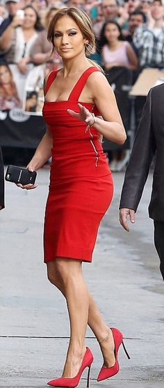 Red Hot – Jennifer Lopez in Tight Red Dress which reveals her Toned Figure http://www.vishwagujarat.com/entertaintment/red-hot-jennifer-lopez-in-tight-red-dress-which-reveals-her-toned-figure/