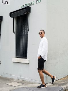 Mens Fashion Style & Outfit inspo by Blogger MR TURNER. New Balance 247 Luxe sneakers. Paired with Jac+ Jack linen shirt, homemade ripped Jeans.