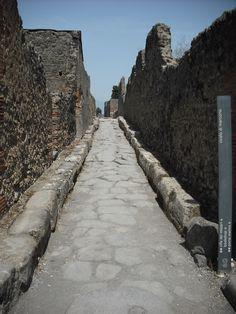 long road; city of Pompei, Italy