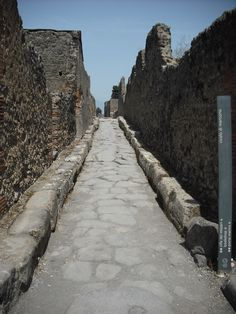 long road; city of Pompei, Italy