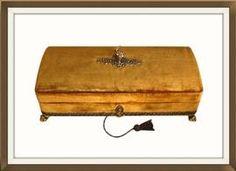 Vintage Harrods Velvet Covered Jewellery Box. £90. http://www.theoldjewelleryboxshop.co.uk/prod2.cfm?product=90988