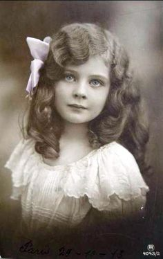 This child is so like photos of my ancestors....actually it could even be me as a child. The similarity is amazing.