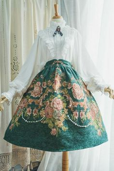 Surface Spell -Spring Flowers- Vintage Classic Lolita Skirt Source by Dresses Pretty Outfits, Pretty Dresses, Beautiful Dresses, Vintage Dresses, Vintage Outfits, Vintage Fashion, Old Fashion Dresses, Fashion Outfits, Fashion Tips