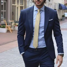 New Blue WeddingTuxedos 2019 Notched Lapel Classic Fit Two Button Mens Prom Tuxedos Suits two piece Navy Blue Suit Combinations, Shirt And Tie Combinations, Color Combinations, Mens Prom Tuxedos, Costume Bleu Marine, Blue Suit Men, Navy Suits, Blue Suit Blue Shirt, Navy Suit Blue Shirt