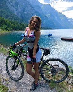 ‒⋞⚙️MTB - [board_name] - Women Cycling Cycling Wear, Cycling Girls, Cycling Outfit, Indoor Bike Trainer, Radler, Female Cyclist, Cycle Chic, Road Bike Women, Biker Chic