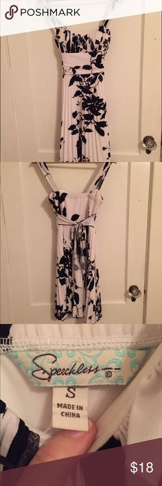 Speechless black and white floral dress