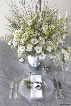 A Strikingly Stylish take on Winter White in this Fabulous Tablescape!