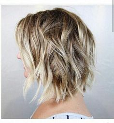 Layers determine the style of short haircuts so it is very important to choose a layering that will fit your hair type and face shape. Latest Short Layered Blonde Hair Angled blonde bob hair with choppy layering is perfect… Continue Reading → Medium Thin Hair, Medium Length Hair With Layers, Short Thin Hair, Short Hair Cuts, Medium Hair Styles, Short Hair Styles, Lob Styling, Hello Hair, Beachy Hair