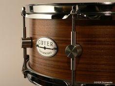 drum  http://www.dalebakerdrummer.com/.a/6a00d83451bbd369e20168e7fea31e970c-320wi