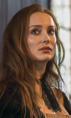 Lotte Verbeek as Geillis Duncan in Outlander on Starz Outlander Season 1, Outlander 3, Outlander Casting, Sam Heughan Outlander, Claire Fraser, Jamie Fraser, Outlander Book Series, Outlander Tv Series, Highlands