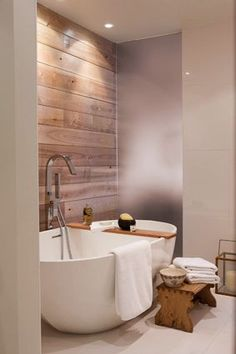 Photos: of the most beautiful bathrooms in Quebec Photos : des plus belles salles de bains au Québec Photos: of the most beautiful bathrooms in Quebec Bathroom Renos, Small Bathroom, Bathroom Spa, Home Deco, Quebec, Glass Pocket Doors, Modern Farmhouse Bathroom, Upstairs Bathrooms, Interior Design Services