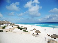 Cancun As I See It: An American Testimonial - An American Blogger living and working in Cancun, tells her story about safety in Cancun and Mexico.
