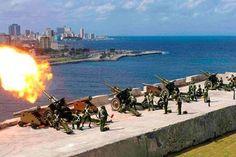 CUBA SE PREPARA PARA PROXIMO DESFILE MILITAR EN LA HABANA      Cuba se prepara para próximo desfile militar en La HabanaComo parte de los preparativos el Ministerio de la Fuerzas Armadas Revolucionarias informó a la población que durante la práctica de la ceremonia se escucharán detonaciones. Este 31 de diciembre se llevará a cabo una ceremonia militar en la que serán disparadas 21 salvas de artillería en saludo al Aniversario 58 del triunfo de la Revolución cubana. Los preparativos para el…