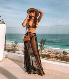 Beautiful Bikinis, Summer Outfits, Bikini models to rock this summer at VERY discount. Mode Du Bikini, Outfit Strand, Summer Outfits, Cute Outfits, Pool Party Outfits, Women's Beach Outfits, Party Outfit Summer, Cancun Outfits, Beach Look
