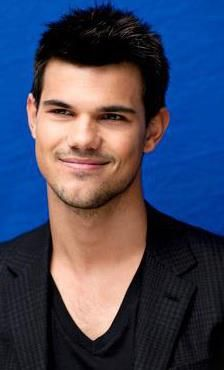 Taylor Lautner Beautiful Men, Beautiful People, Taylor Lautner, Hollywood Celebrities, Writing Inspiration, Im In Love, Actors & Actresses, Feel Good, Famous People