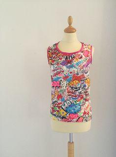 Bespoke t-shirt with comic print. Visit our website for more.  Vêtements sur mesure dans notre atelier à Versoix - OPIAN Artisan, T Shirt, Popular, Blouse, How To Make, Handmade, Beautiful, Tops, Women